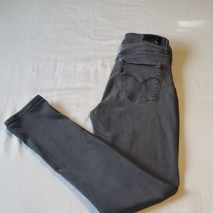 High Rise Skinny Levis 28/32